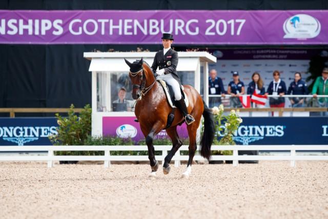 Belinda Weinbauer und Söhnlein Briliiant MJ gehen als Titelverteidiger an den Start. © OEPS / Tomas Holcbecher
