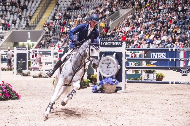 Deutschlands Daniel Deusser und sein neues Pferd Cornet holten in Oslo den Auftaktsieg im Weltcup 2017/2018. FEI/Mette Sattrup