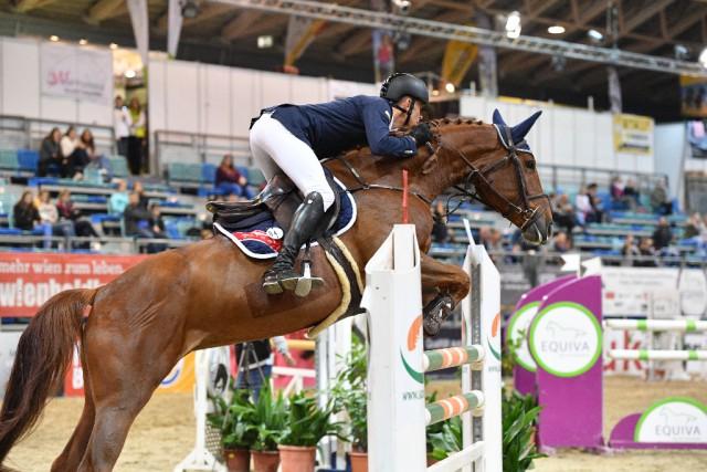 Max Kühner (AUT/T) und die 7-jährige Vancouver Dreams siegen souverän im Finale der HIRTER Youngster Tour. © Horse Sports Photo