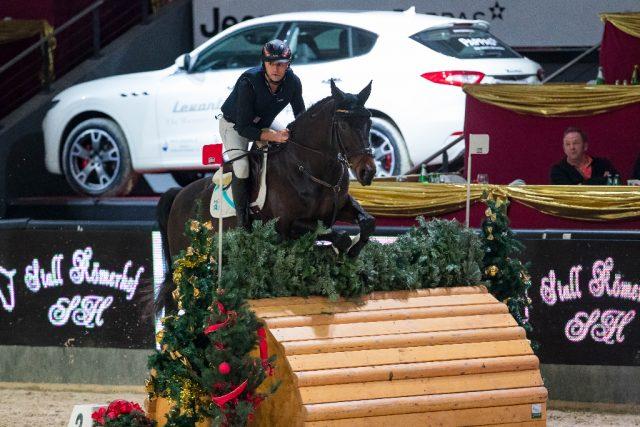 Platz zwei für Daniel Dunst (ST) im Stall Römerhof Cup bei der Amadeus Horse Indoors 2017. © Michael Graf