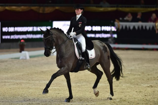 Die Oberösterreicherin Katharina Haas und Saint Tropez werden mit 67,419% Dritte in der internationalen U25-Tour presented by SRC Lamprechtshausen. © Fotoagentur Dill