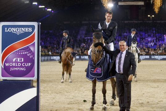 Smolders Harrie, NED, Zinius, Stefaan Dhondt, Brand Director Longines Benelux Longines FEI World Cup presented by Land Rover Vlaanderens Kerstjumping Memorial Eric Wauters Jumping Mechelen 2017 © FEI/Dirk Caremans
