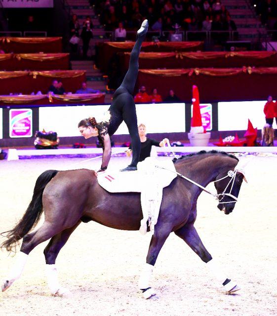 Die Team-Bronzemedaillengewinnerin der EM 2017, Lisa Wild (AUT/NÖ), liegt sehr aussichtsreich auf Rang zwei im Weltcup bei der Amadeus Horse Indoors. © Andrea Fuchshumer
