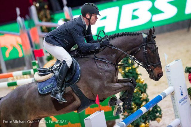 Der zweifache Mannschafts-Olympiasieger und Mannschafts-Weltmeister Lars Nieberg (GER) siegte mit Nabab de Reve im CSI4* Eröffnungsspringen (1,45 m) der Amadeus Horse Indoors 2017. © Michael Graf
