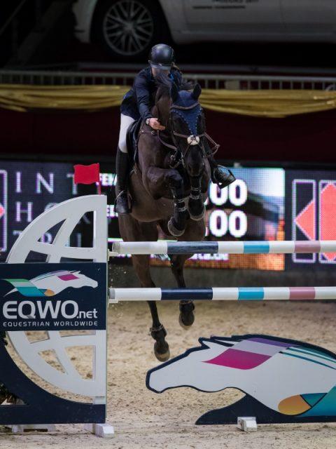 Auf Platz drei für Österreich im EY-Cup Auftakt bei der Amadeus Horse Indoors : Denise Ruth und Stand Up. © Michael Graf