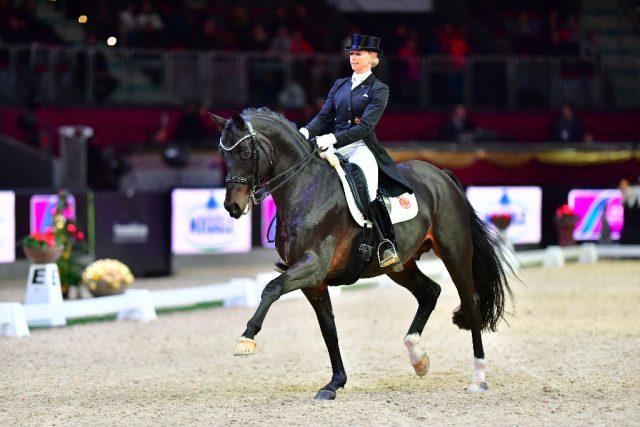 Jessica von Bredow-Werndl kämpft um den dritten Startplatz, den Deutschland beim Weltcupfinale in Paris haben wird. © im|press|ions - Daniel Kaiser