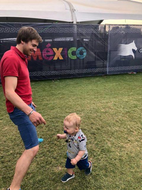 Sohn Oscar scheint es in Mexico City ebenfalls gut zu gefallen. © Resi Rochelt