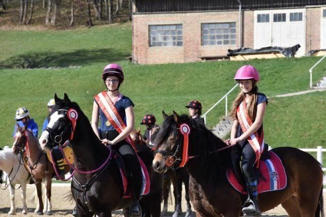 Marlies Brandner mit Rosi und Verena Mascher auf Mississippi wurden Österreichische Meister in der Klasse U14. © Petra Steinmetz