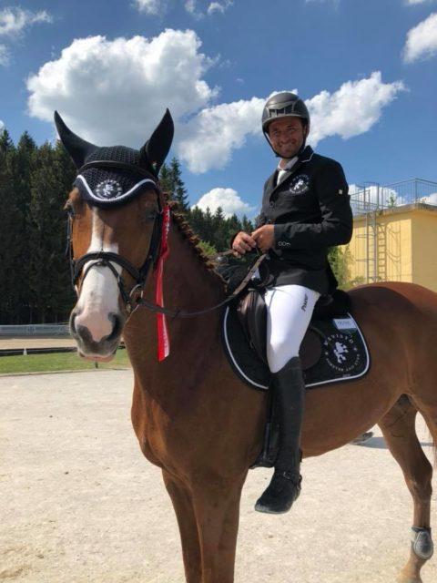 Mevisto Reiter Roland Englbrecht ist sichtlich stolz auf den jungen Calippo. © Barbara Hubner