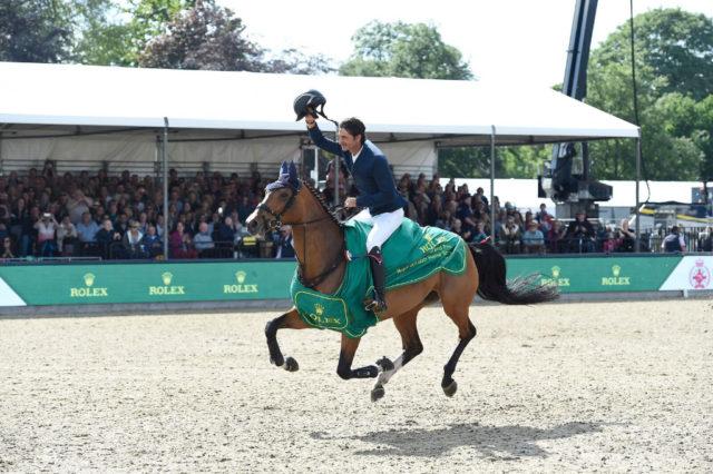 """Normalerweise finden bei der Royal Windsor Horse Show auch Wettbewerbe in Springen und Dressur statt. 2020 beschränkt sich die """"Virtual Windsor"""" auf Show-Bewerbe. Am Foto: Steve Guerdat und Bianca bei ihrem Sieg 2019. © Merrick Haydon / Rolex"""