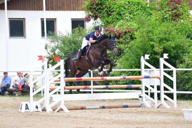 Der Sieg ging an Janina Hetfleis und Michiko PP. © NOEPS / horsic.com