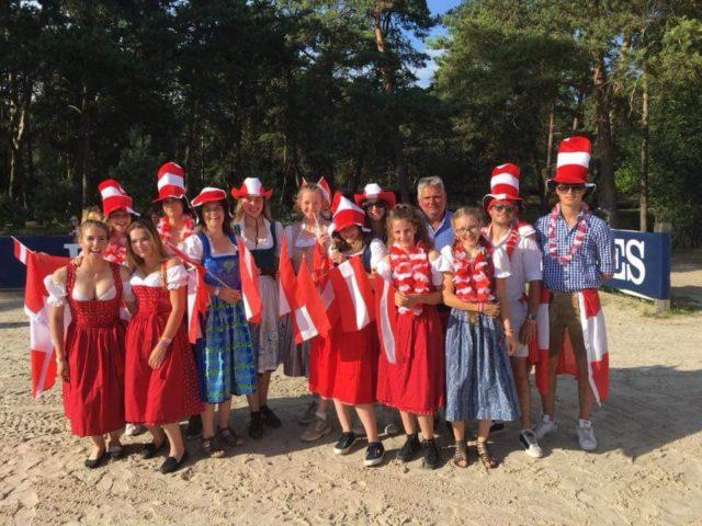 Impressionen von der Eröffnung der Nachwuchs EM in Fontainebleau (FRA). © Facebook KES Equestrian Team