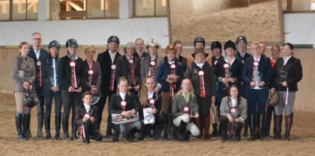 Alle Teilnehmer des ersten Reitertreffens auf Salzburger Boden. © Walter Wurdack