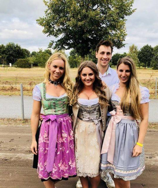 Fesch war unser Team Austria in Tracht zum Einzug der Nationen bei der U25 EM in Exloo. © privat