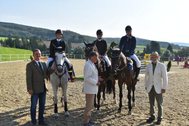 Die strahlenden Siegerinnen im Schoeller Cup Finale. © NOEPS