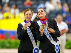 Lisa Wild und Maria Lehrmann jubeln über WM-Bronze im Einzel. © OEPS/Tomas Holcbecher