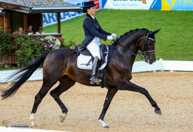 Zweifachsiegerin Jacqueline Toniutti (Große Tour und LM+LP/R3+) auf ihrem Spitzenpferd Sandrose. © Petra Kerschbaum