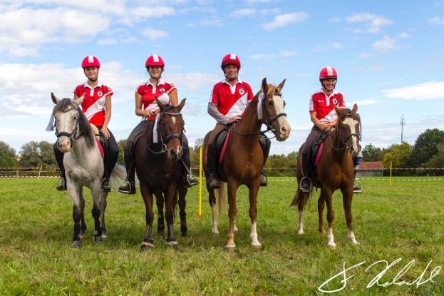Das Team holte in der Offenen Klasse Platz zwei: von links: Franziska Lisec, Celine Schlager, Edgar Grasl, Verena Eichhorn. © Florian Holzapfel