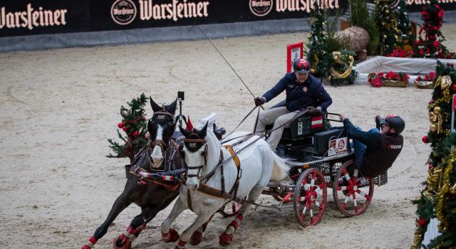 Volle action! Fixkraft-Fahrer Thomas Blumschein bei der Warsteiner Driving Challenge in Salzburg. © Michael Graf