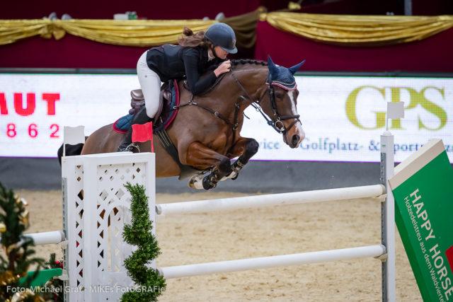Klara Goess-Saurau (B) und Elise gewinnen die Happy Horse Medium Amateur Tour. © Michael Graf