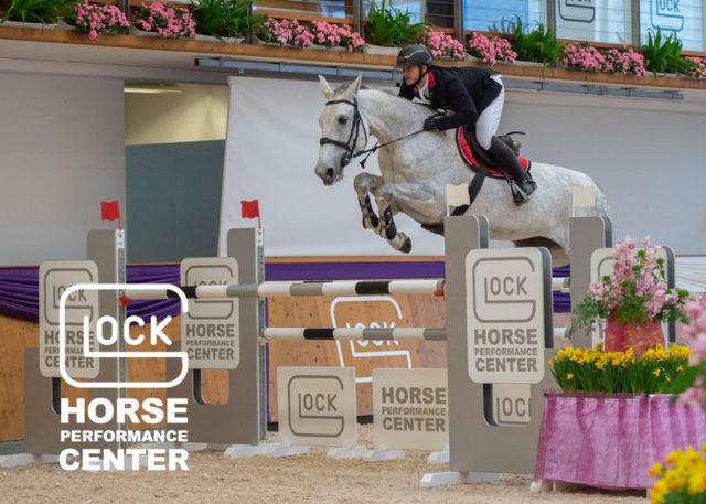 Willi Fischer (AUT/OÖ) und Dollargirl 16 auf dem Weg zum Sieg in der GLOCK's 2* Tour am ersten Tag des International Show Jumping 2019. © Nini Schäbel