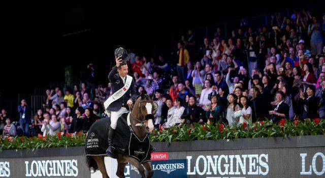Denis Lynch (IRL) und Chablis holen sich den Longines Grand Prix des Longines Hong Kong Masters © EEM/J.Rodrigues