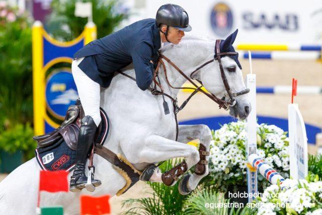 Österreichs Max Kühner liegt mit einem Abwurf auf seinem 12-jährigen Holsteiner Hengst Chardonnay am 18. Zwischenrang im Weltcup Finale 2019. © OEPS/TomasHolcbecher