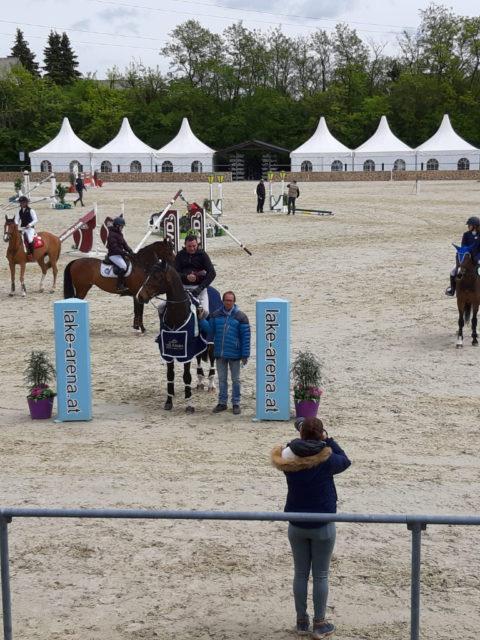 Gratulation! Matthias Raisch sammelte beim Equestrian Springbreak in der Lake Arena Siege und Platzierungen am laufenden Band. © privat