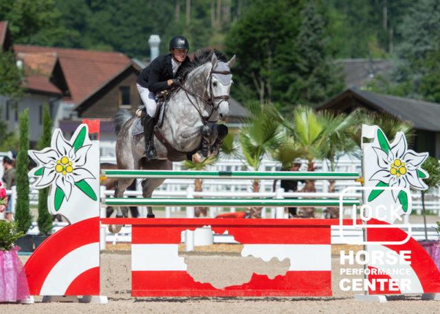 Dominik Fuhrer (SUI) und Call Me Carly auf dem Weg zum GLOCK's 2* Grand Prix-Sieg. © © Nini Schäbel