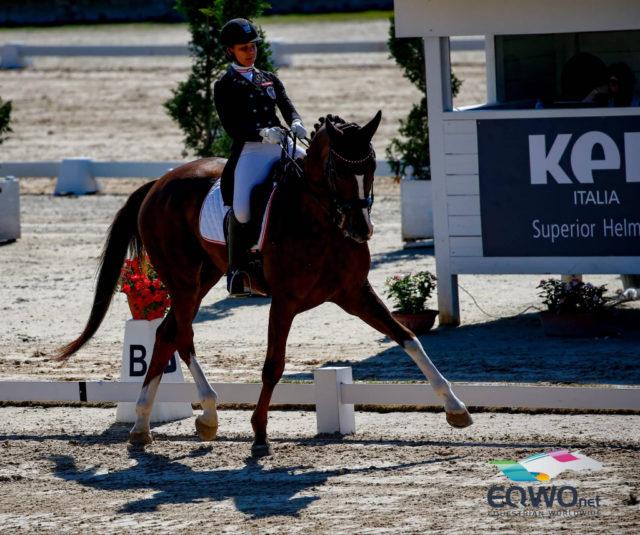 Helene Grabenwöger und Der Fuchs 3 platzierten sich mit 70.000 % am elften Rang des heutigen Junioren Bewerbs. © Petra Kerschbaum