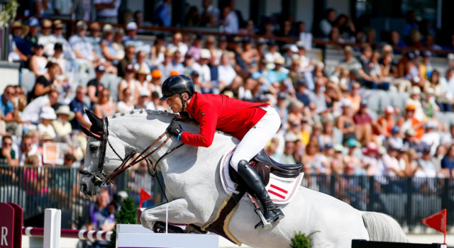 Max Kühner und sein Holsteiner Hengst Chardonnay hatten heute leider zwei Abwürfe und liegen nun auf Platz 23 bei den Europameisterschaften in Rotterdam 2019. © Petra Kerschbaum
