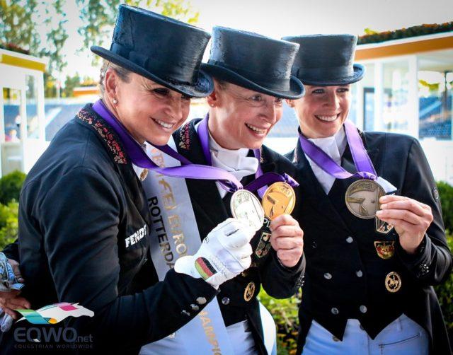 Die Top-3 im Freestyle der Europameisterschaften von Rotterdam 2019: Silber für Dorothee Schneider (Showtime FRH), Gold für Isabell Werth (Bella Rose), Bronze für Jessica von Bredow-Werndl (TSF Dalera BB). © Petra Kerschbaum