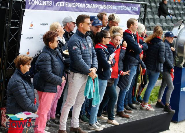 Rot-weiß-rote Unterstützung für Belinda Weinbauer bei den Europameisterschaften in Rotterdam 2019. © Petra Kerschbaum