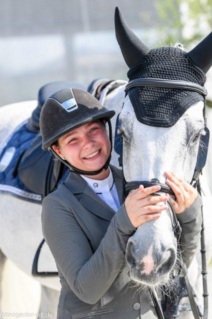 Die Österr. Meisterin Kleine Tour, Melanie Buchner teite sich ihre Goldmedaille mit ... © Fotoagentur Dill