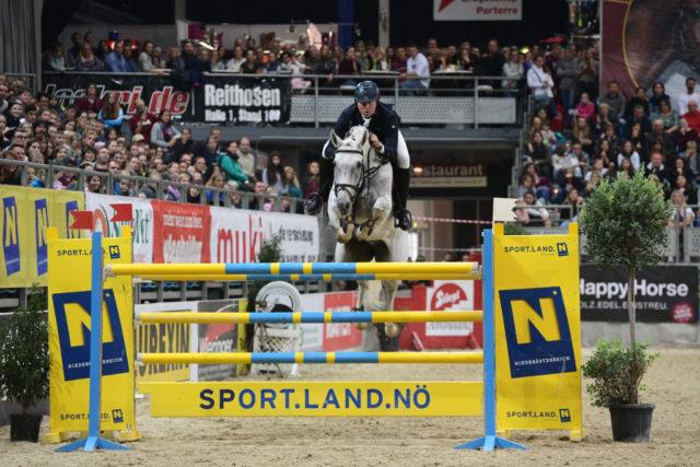 Kamil Grzelczyk reiht sich in die Siegerliste der Gewinner vom Großen Preis vom Sportland NÖ ein. © HORSIC.com