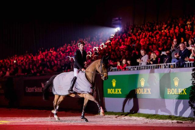 Scott Brash (GBR) verabschiedet den 17-jährigen Belgier Hello Sanctos in Genf in den wohlverdienten Ruhestand. © Rolex Grand Slam / Ashley Neuhof