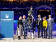 Dressursport in Perfektion: Isabel Freese und Total Hope OLD gewannen das Finale des NÜRNBERGER BURG-POKAL mit 79,220 Prozent. © Stefan Lafrentz