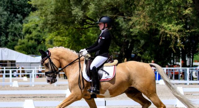 Die 15-jährige Fanny Jöbstl (ST) konnte sich durch tolle Leistungen bei der Sichtung und dem CDI in Mariakalnok mit ihrem Pony Wilky May qualifzieren. © Petra Kerschbaum