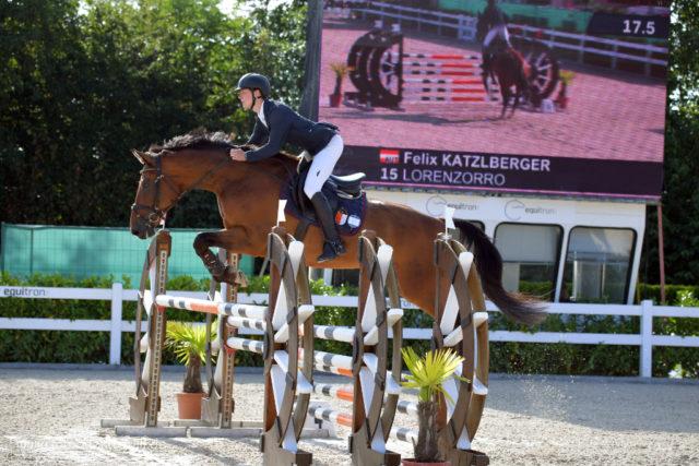Heimsieg beim Auftakt der Small Tour der jungen Reiter im Rahmen des CSIO Lamprechtshausen: Felix Katzlberger (AUT/S) uns sein Lorenzorro bleiben im Parcours die schnellsten! © Fotoagentur Dill