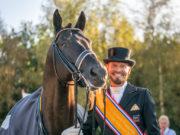 Für Edward Gal (NED) ist der niederländische Meisterschaftstitel ein emotionaler Sieg und erst den Anfang von etwas großem! Mit dem erst neunjährigem Totilas-Sohn Toto Jr. gewinnt er mit 86,15% in Ermelo (NED). © GHPC