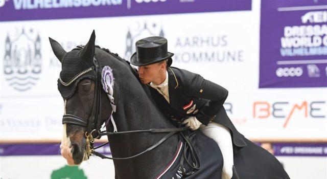Die Küsse hat sich Abegglen mehr als verdient! © Ridehesten.com