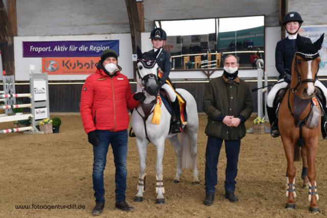 Bundesnachwuchschampions der Ponyspringreiter: Jolie Kühner und Del Piero. © Fotoagentur Dill