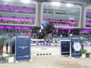 In der beeindruckenden Longines Arena der Al Shaqab-Anlage in Doha holt Christian Ahlmann (GER) auf Dominator 2000 Z den Sieg im Großen Preis. © Stefano Grasso /CHI Al Shaqab 2021