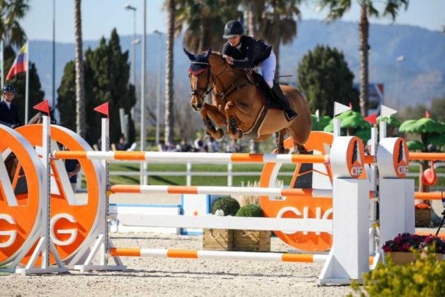 Josephine Goss-Sura Rao (AUT / B) trajo seis caballos con ella a España y compitió en carreras de caballos juveniles y clasificaciones mundiales.  © Josephina Goss-Sura Rao