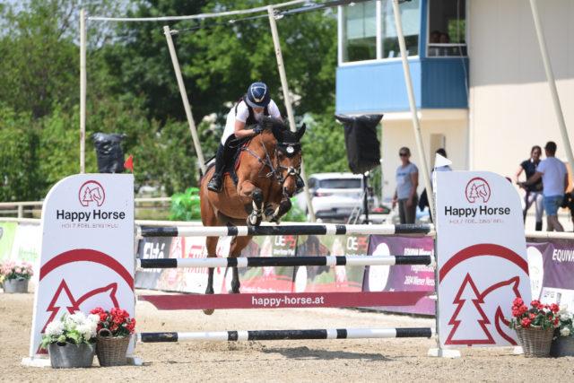 Markus Saurugg's Tochter Eva holt sich im Happy Horse Future Cup den Sieg! © HORSIC PHOTOGRAPHY