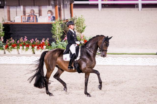 Wir sie Gold für Deutschland fixieren? Jessica von Bredow-Werndl muss bei den Olympischen Spielen in Tokio mit Dalera vermutlich als letzte Reiterin ins Viereck. © FEI