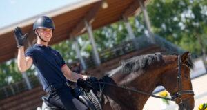 Felix Artner und Auheim's Divine Etincelle können im Junge Reiter-Team Bewerb über 68% scoren und platzieren sich als bestes österreichisches Paar auf Rang 20! © Petra Kerschbaum