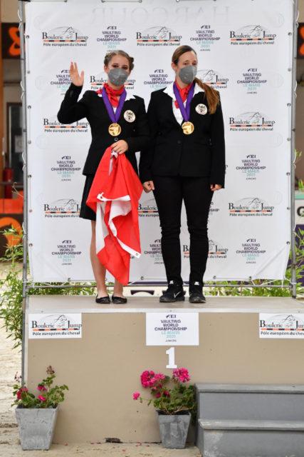 Das Erfolgsteam zu WM-Gold in Le Mans: Anna Weidenauer (AUT/NÖ), Maria Lehmann und ÖWB-Wallach Chivas! ©️ FEI
