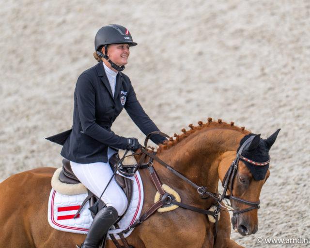 Top-Leistung von der 22-jährigen Oberösterreicherin Lea Siegl (AUT/OÖ) auf ihrem Fighting Line! Sie beenden die olympische Vielseitigkeit in Tokio mit 47 Punkten auf Rang 15. ©️ Arnd Bronkhorst