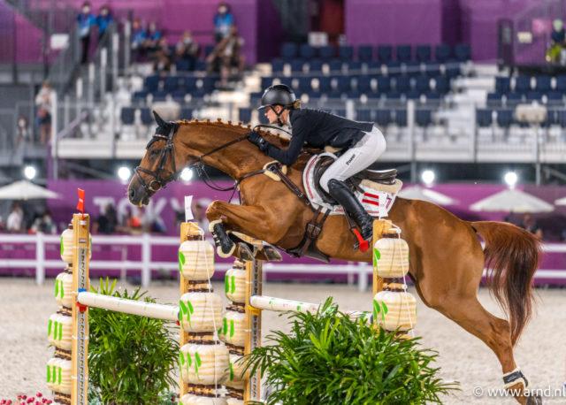 Lea Siegl (AUT/OÖ) fuhr auf Fighting Line mit Rang 15 in Tokio das beste österreichische Vielseitigkeits-Ergebnis aller Zeiten bei olympischen Spielen ein. ©️ Arnd Bronkhorst